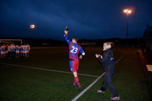 Smørås 2 kaptein, Espen Gundersen, kunne feire 1.plass og pokal i dette årets Lagunen Fotballfest